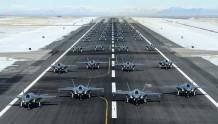 """苏莱曼尼死后美国各种炫耀军力52架F-35秀""""大象漫步"""""""