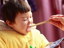 孩子能吃是福,但撑破了胃就不是好事了!