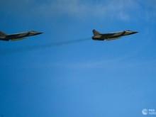 """美军""""全球鹰""""无人机抵近边界 俄升空3架米格-31战机拦截"""